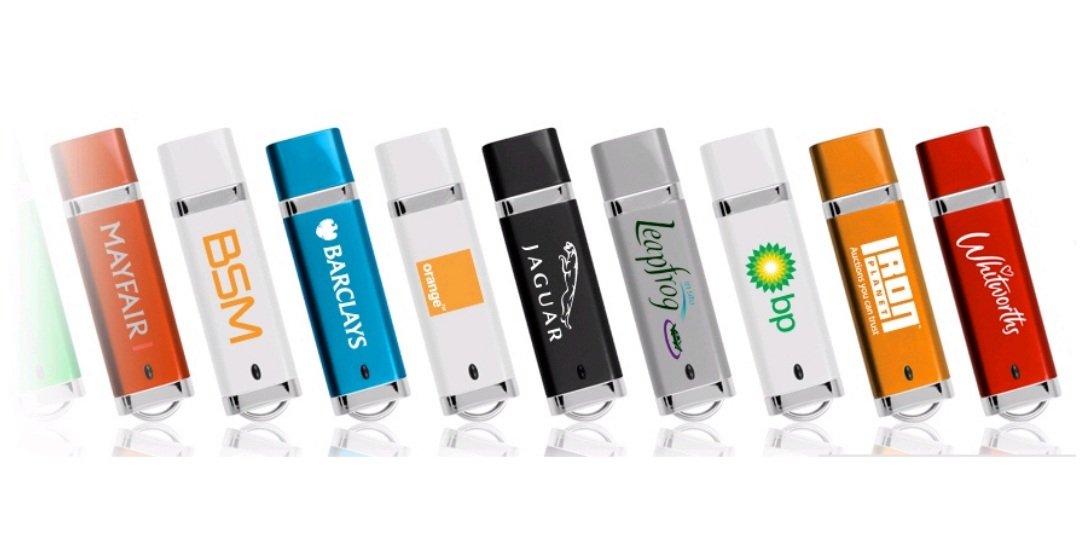 classic USB drive with custom logo UC02