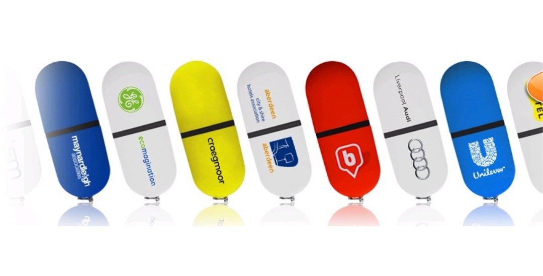 custom branded mini plastic USB drive UC04